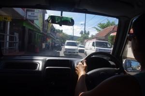 La conduite à gauche, pas simple au début. surtout en ville...