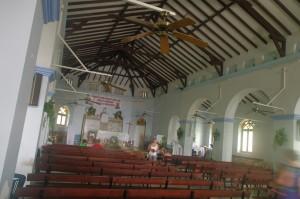L'église de Deshaies, typique des Antilles.