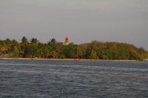 La destination du jour ; l'îlet du Gosier, un petit îlot inhabité. Il y a bien un phare, mais automatisé.