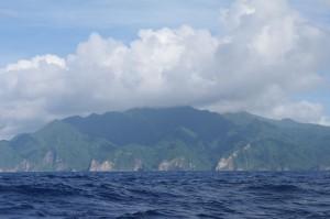 L'approche d'une île est toujours un moment agréable. On reste toujours frappés par le côté sauvage qui s'en dégage.