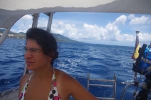 On vient de passer la pointe sud de la Guadeloupe. Ouf, le canal des Saintes est derrière nous.