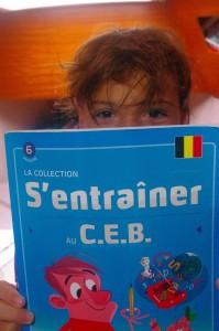 Jan a préparé son CEB, et l'a réussi. Trois semaines en Belgique où il a pu revoir tous ses copains... Le rythme scolaire en revanche l'a moins convaincu.
