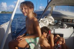 Une petite navigation facile et courte. Les enfants adorent. Dans les Caraïbes, les distances entre les îles sont relativement courtes. Mais cela ne veut pas dire que c'est nécessairement facile.